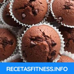 Magdalenas de chocolate fitness, caseras y deliciosas